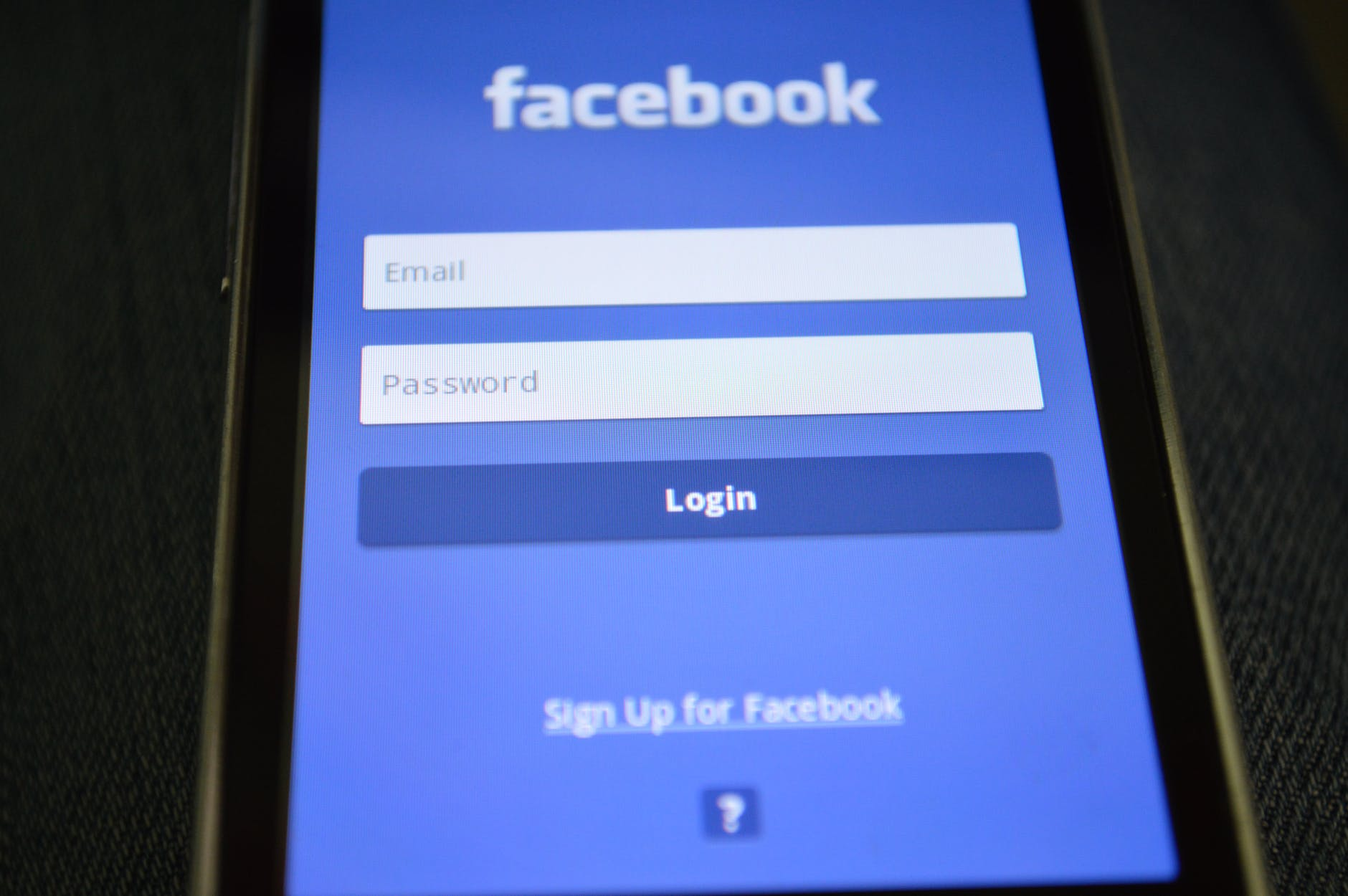 Facebook-rating-drops-to-2.6.-on-Google-Play-Store